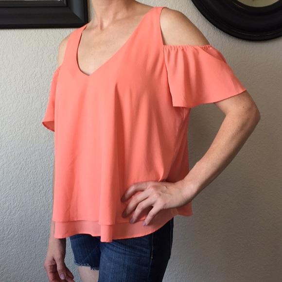 30c1077b38e4a Bisou Bisou Tops - Bisou Bisou coral cold shoulder blouse